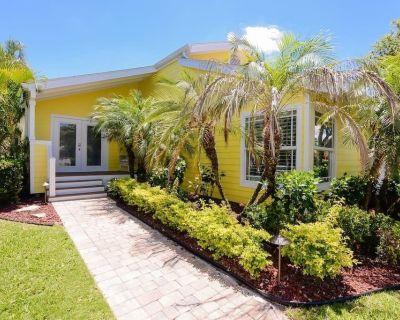 Beautiful home on Hutchinson Island 1/2 mile from the beach - Jensen Beach