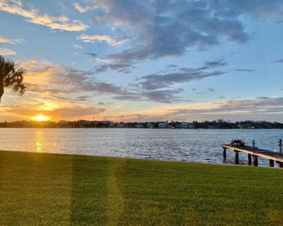 WOW,Waterfront 1st floor condo&boat dock@Heart of Palm Beach - Lantana