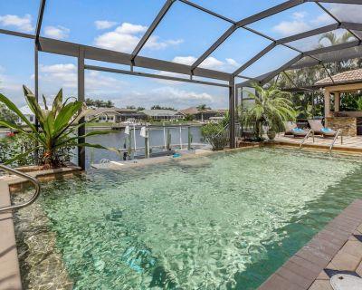 Parrot Heaven - waterfront property, Gulf Access, Pool, Boatsdock - Pelican