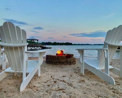 PRIVATE BEACH on Lake Norman***Wide water views***Hot tub - Mayhew