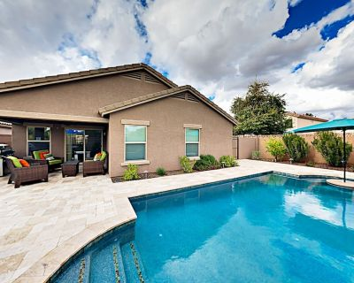 Luxe North Phoenix Oasis with Chef's Kitchen, Private Pool & Big Patio - Paradise Valley Village