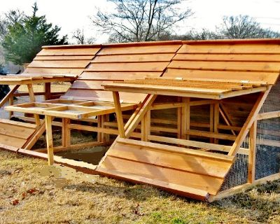 WINTER SALE- BIG PORTABLE HEN HOUSES CHICKEN COOPS, FENCE POSTS for Dayton, OH area