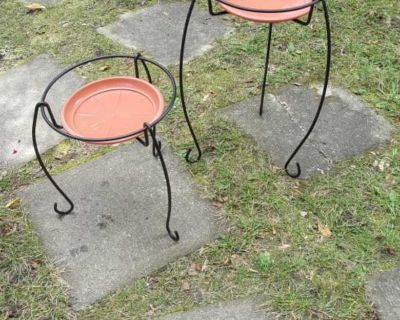 """2 Beautiful metal 21"""" tall and 14"""" plant stands"""