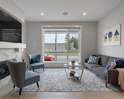 3 Bedroom with Sleeper Sofa Sleeps 7! Near downtown and Foothills Hospital - Marda Loop