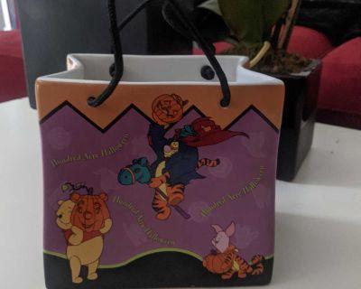 Disney Winnie the Pooh Ceramic Halloween Bag