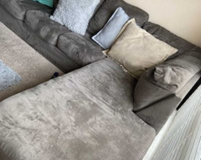 Gray Sectional/Pillows Pick Up Only