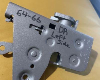 211837015d drivers left side door mechanism split