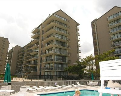 Free Daily Activities Included!! 2 Bdr, 2 Bath - Very Pretty, Remodeled Oceanfront Unit at Sea Colony Resort - Bethany Beach
