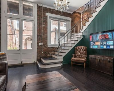 New! CASA OMARA - Incredibly unique experience in the HEART of Downtown! - Downtown Louisville