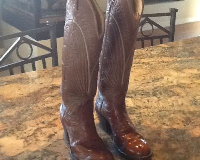 Tony Lama Ladies Cowboy boots