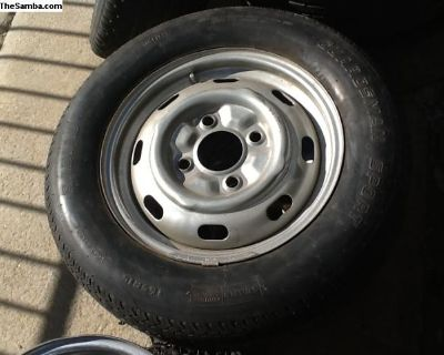 VW Bug 4 lug rim w/165 radial tire