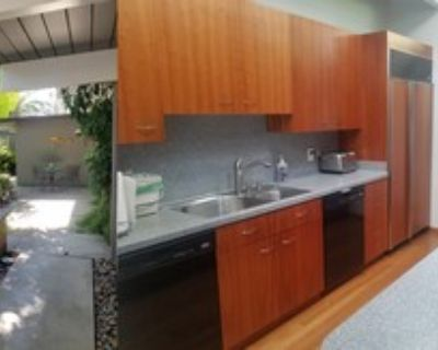 FULLY FURNISHED BEDROOM IN CLEAN FRIENDLY HOUSE IN SOUTH PALO ALTO