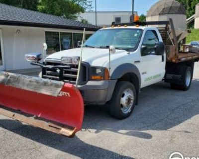 2005 Ford Super Duty F-450 Chassis Cab XL