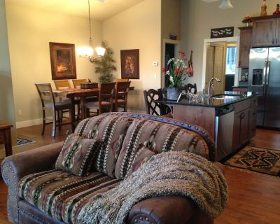 High End 3 BR Meadow Lake Home, Near Glacier Park, MONTHLY RENTALS AVAILABLE!!!! - Columbia Falls
