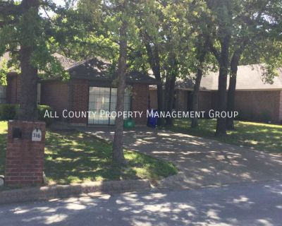 Spacious Duplex In Azle - Available for a July Move In