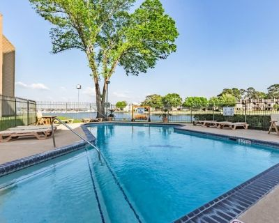 Great Waterfront Condo ~ Spectacular Views ~ The Perfect Getaway - Walden on Lake Conroe