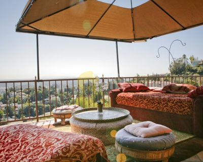 1 bedroom 1 bathroom house Hot Tub Hollywood Hills, Los Angeles