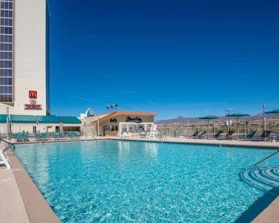 Casino Adventure! 4 Comfy Units on Riverwalk! Pool - Laughlin