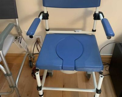 Medical commode seat