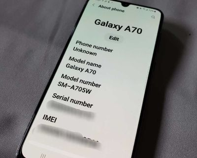 Samsung Galaxy A70 128gb cell phone PERFECT condition!