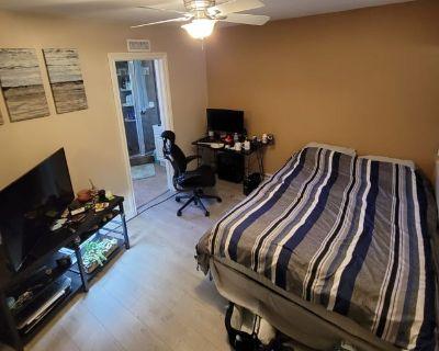 Private room with own bathroom - La Mirada , CA 90638