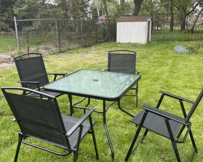 Patio Set (4 folding chairs + table)