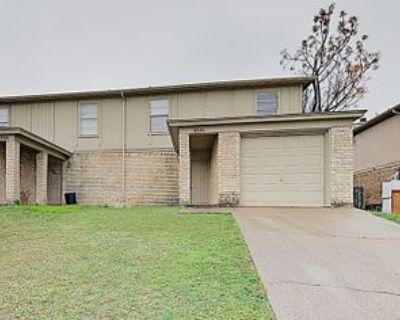852 Nw Summercrest Blvd #A, Burleson, TX 76028 3 Bedroom Condo
