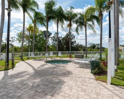 Close to attractions and still affordable. Pool/jacuzzi/basketball and more! - Kissimmee