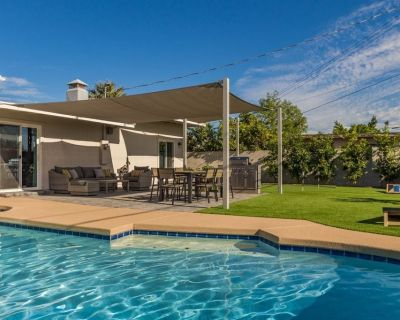 Resort Style Backyard! Private Pool, Putting Green, Outdoor Dining and Grill! Brand New! - Oak Park