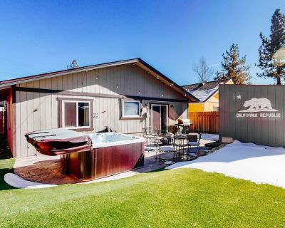 Dog-friendly Home w/ Mountain Views, Enclosed Yard, Game Room, & Private Hot Tub - Big Bear City