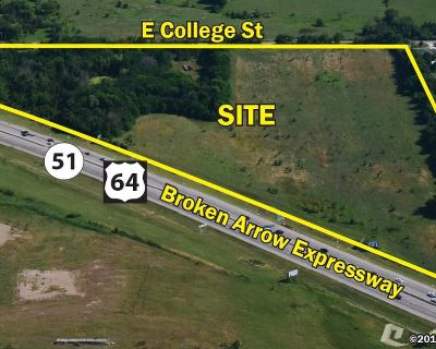31.95 GROSS ACRES - DEVELOPMENT LAND COMMERCIAL OR INDUSTRIAL POTENTIAL
