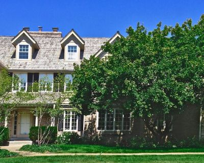 Luxury Estate Home 13 miles to DNC - Mequon