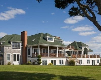 Magnificent Ocean Front Vacation Manse - Little Compton