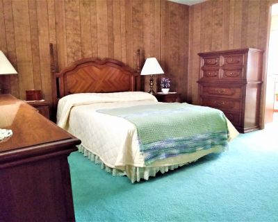 Large Master Bedroom /Private Bath for Rent