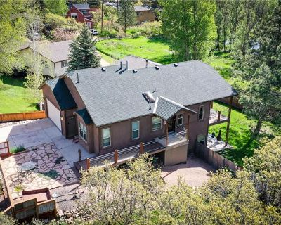 Custom Walkout Rancher On Double Lot (MLS# 7181409) By Bobbi Price