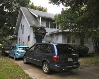 1122 White St #A, Ann Arbor, MI 48104 12 Bedroom House