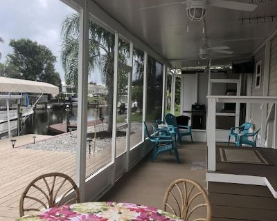 Pine Island Retreat 2/2 on Canal with boat lift!! - Flamingo Bay