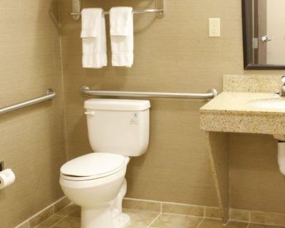 Holiday Inn Hotel & Suites Bakersfield, an IHG Hotel - Bakersfield