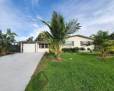Newly Renovated 3/2 Palm Beach Gardens Home - 4mi From the Beach - Palm Beach Gardens