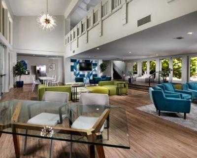 Warner Villa Apartments