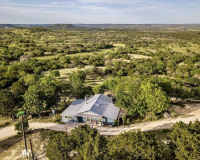 Heavenly Views, Secluded & Peaceful - Friendly Ranch Animals. - Comfort