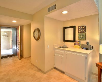 Charming Upscale Condo - Only Steps to 'The River' - Rancho Mirage