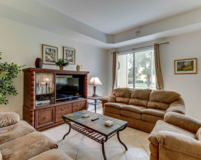 Family-friendly townhouse w/ shared pool - close to golf, beach & more! - Fort Myers
