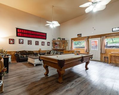 Great rates with Central Air, Gas Grill, Golf, Casinos and Ski Apache. - Alto