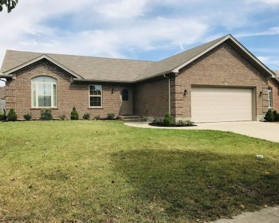 Spacious 3 BR Ranch House W/Patio Yard in a quiet Suburb - Sellersburg