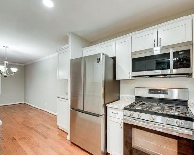 Master bedroom w/packing available 10/8