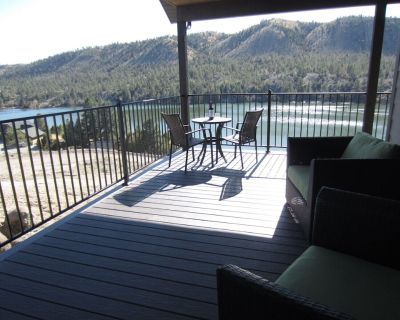 """""""The House on Hauser"""" New Lakefront Home 5 Bedroom, 2 Master Suites, 4 Bathrooms - Lewis and Clark County"""