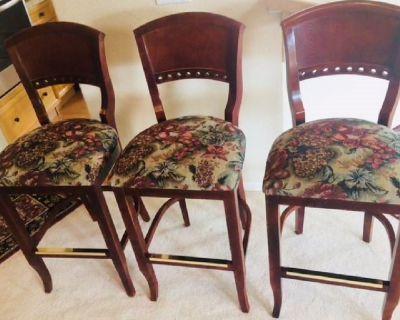 Bar stools (3)