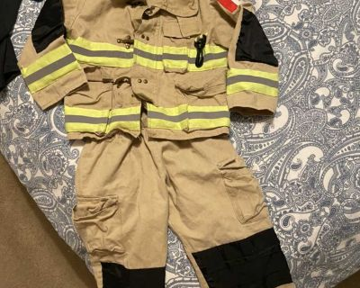 Firefighter costume size 4