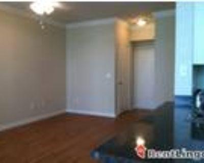 4 bedroom 803 N Ann St
